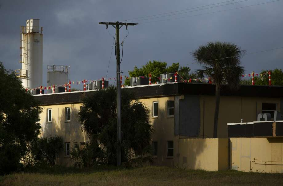 A building at Stonybrook Apartments in Florida caught fire in 2018. Repairs were not started until two years later. Photo: Godofredo A. Vásquez/Staff Photographer / ? 2020 Houston Chronicle