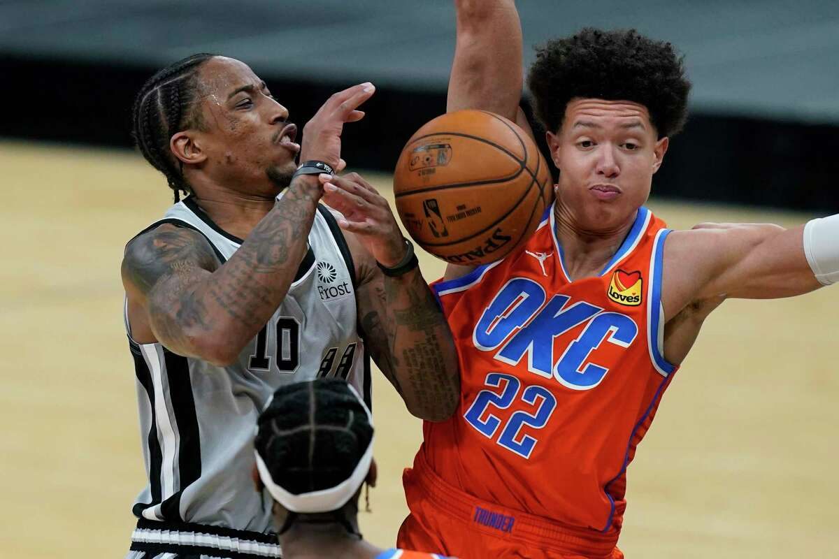 DeMar DeRozan, left, and the Spurs head into the All-Star break with a loss after falling to the Thunder on Thursday.