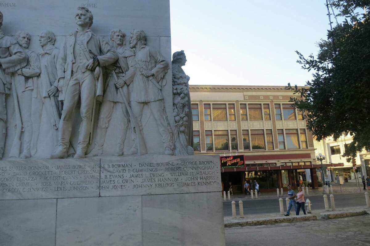 A reader understands why the Cenotaph will stay in place as the reimaging of Alamo Plaza potentially moves forward.