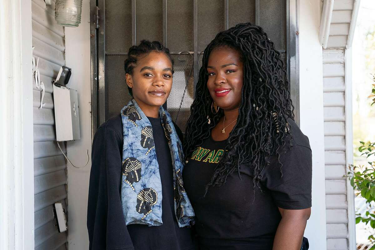 Undergrad Janelle Goolsby (left) rents a room in the home of her aunt Natalie Goolsby in Oakland.