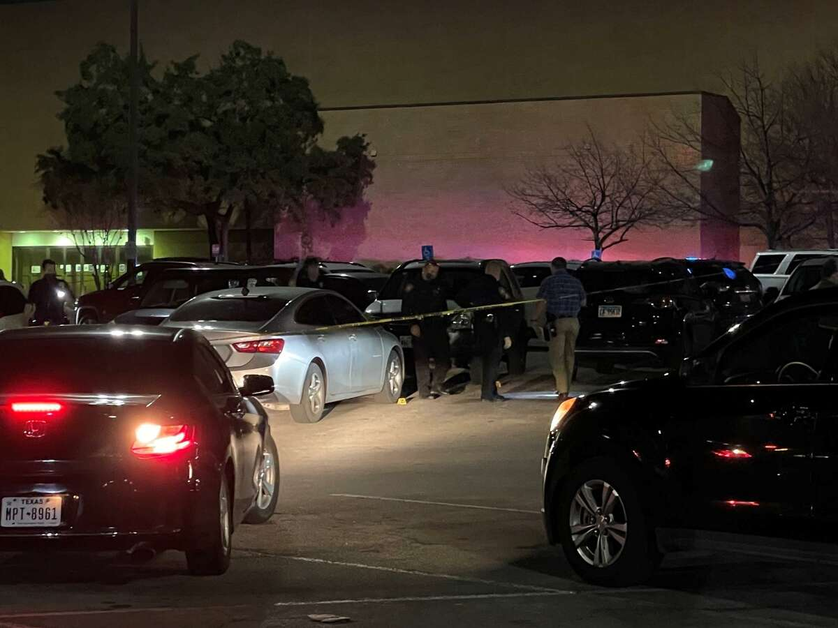 A man was injured when he and several others with him were shot at by another group waiting outside Ingram Park Mall, San Antonio police said.