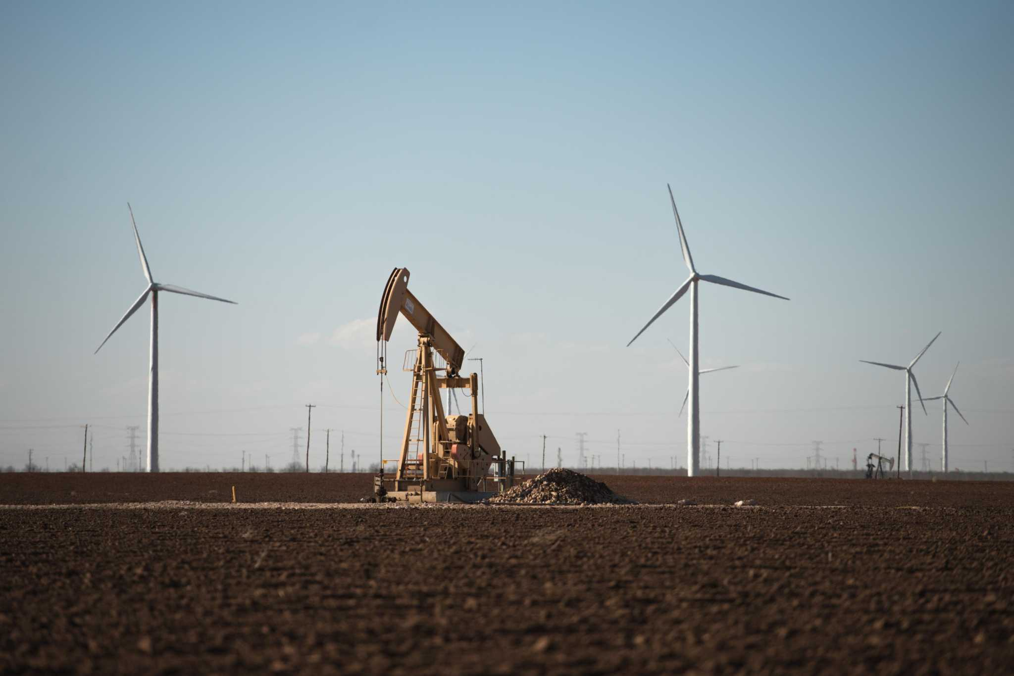 houstonchronicle.com - Shelby Webb - Renewable energy and oil wage battle for power in Texas land rights case
