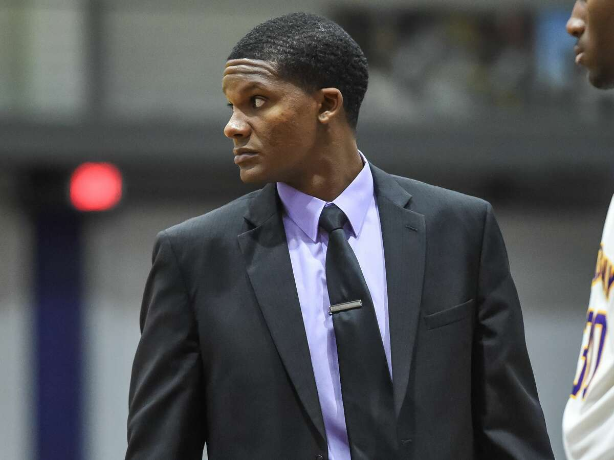 It makes sense to mention any current UAlbany assistant as a candidate. A former Great Danes player, Knotts has been an assistant coach for nine seasons but hasn't coached anywhere else.