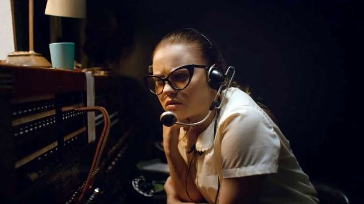 """Sierra McCormick plays the best switchboard operator since Lily Tomlin's Ernestine in """"The Vast of Night."""""""