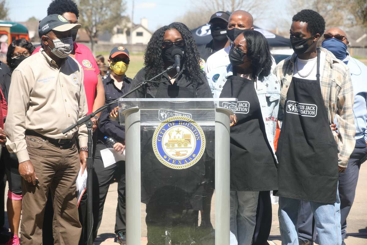 Travis Scott's sister, Jordan Webster, gave words of encouragement to Houstonians at the Saturday food drive.