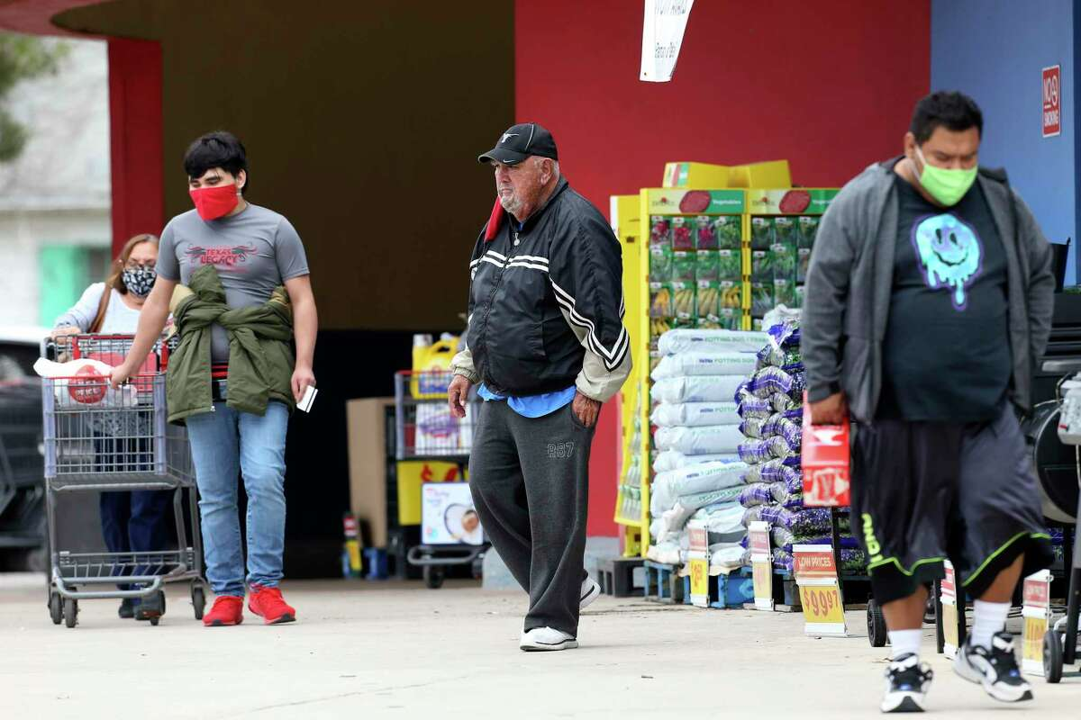H-E-B and other retailers struggle with mask policies as mandate end