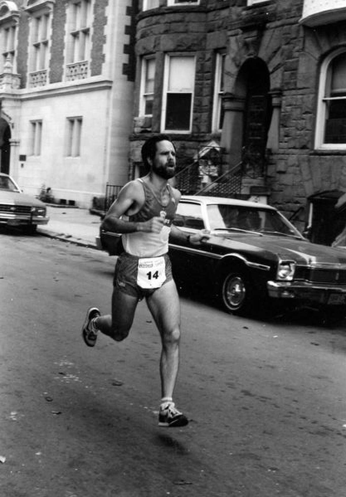 Uzun zamandır Cohoes koşucusu geçen hafta sonu vefat eden Bill Robinson.  (Ed Niles'ın izniyle)