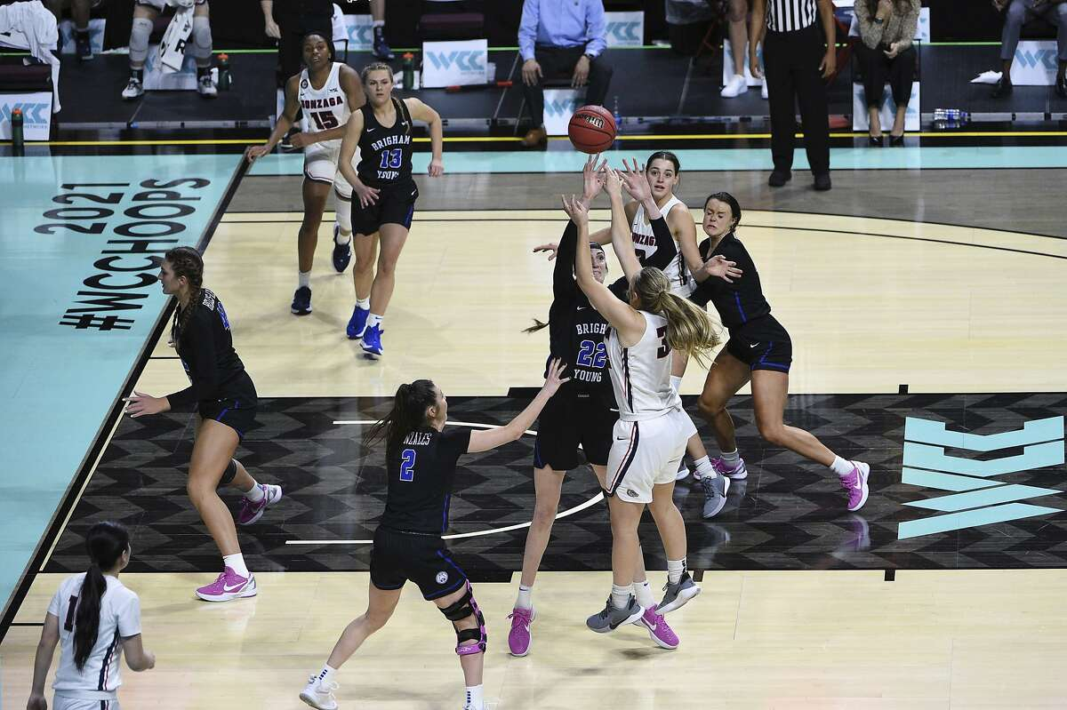 Gonzaga guard Jill Townsend (32) shoots the winning basket in the team's NCAA college basketball game against BYU for the West Coast Conference women's tournament championship Tuesday, March 9, 2021, in Las Vegas. (AP Photo/David Becker)