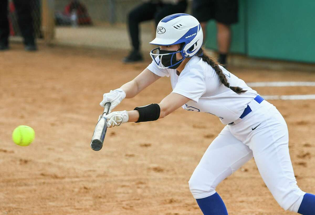 Naydelin Loredo earned the win Tuesday as Cigarroa beat Martin 10-0 in five innings at Zachry Field for its first district victory.