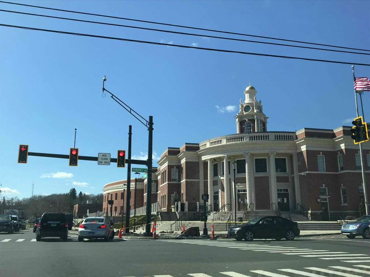Hamden Memorial Town Hall at the intersection of Dixwell and Whitney Avenues, 2019