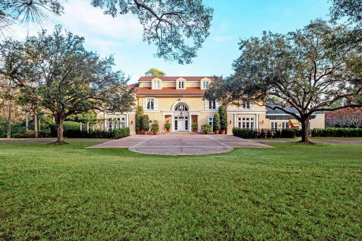 The home of a towering figure in the real estate development world, the late Gerald D. Hines, is on the market for $34.5 million.