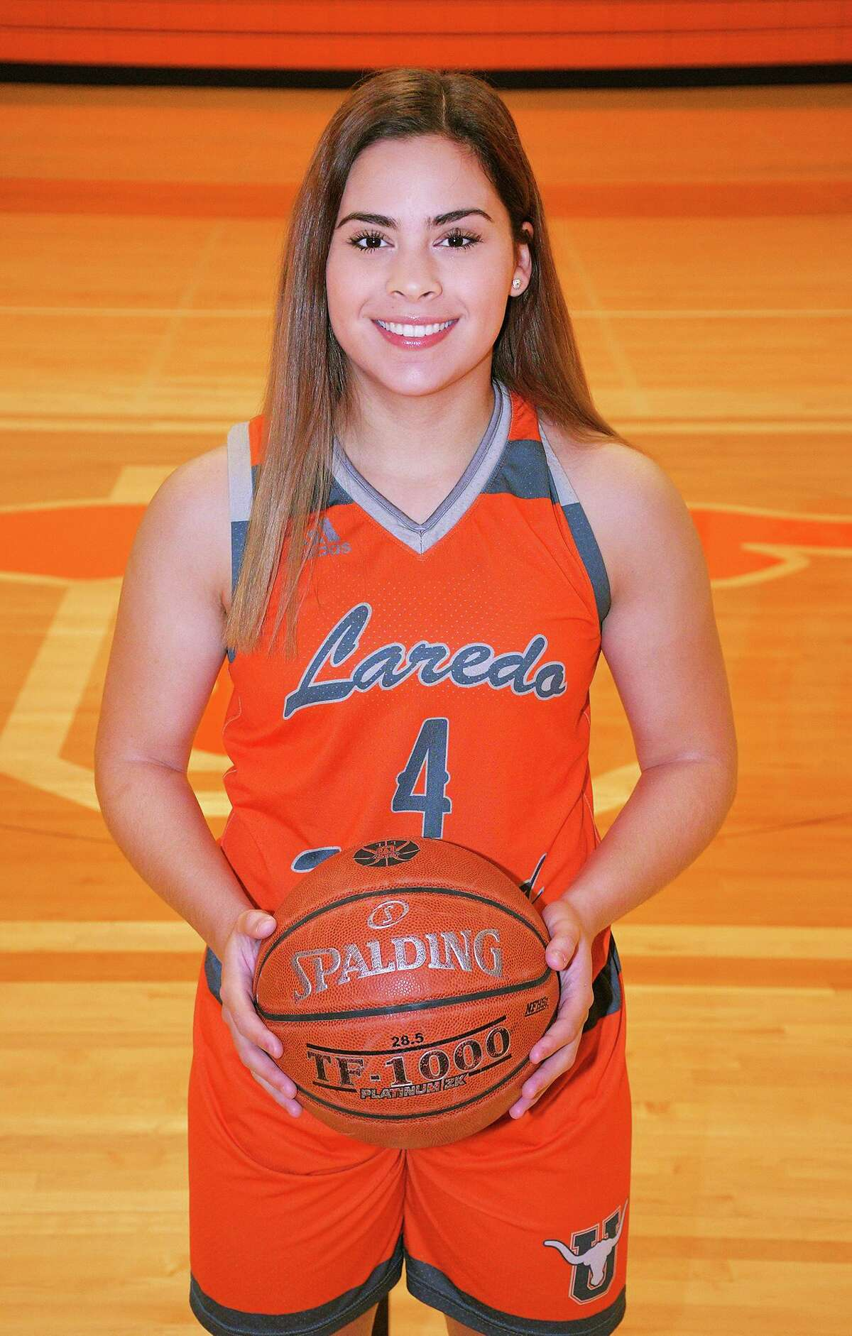 Evelyn Quiroz was named to the TABC All-Region team for the third straight year after averaging 16 points, six rebounds, three steals and three assists.