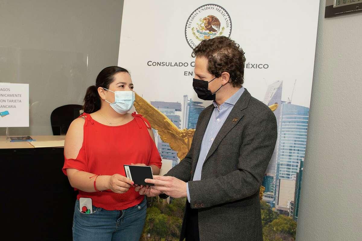 General Director of Consular Services Jaime Vasquez Bracho Torres visits the Consulado General de Mexico, Saturday, Mar. 6, 2021.