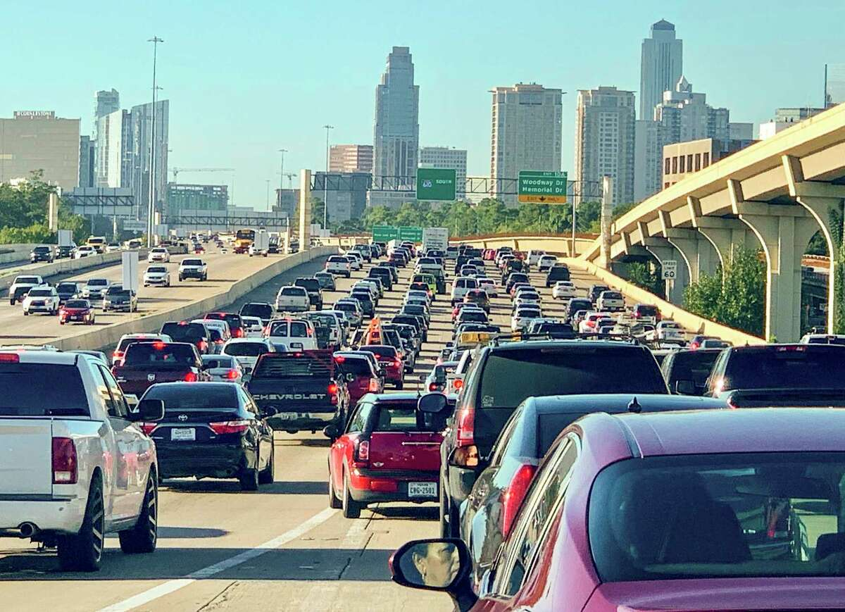 Traffic crawls along during a morning commute on the West Loop near the Galleria on Sept. 24, 2019.