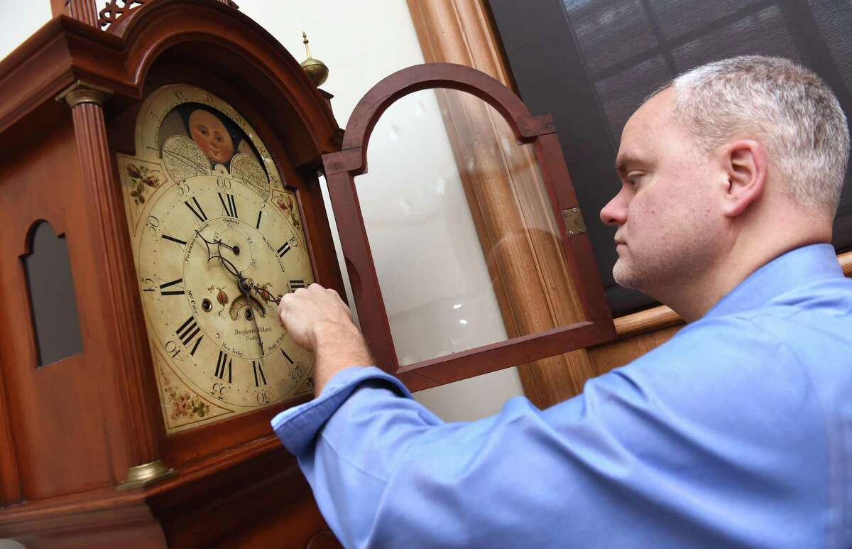 The risk of heart attack increases 10 percent in the days following springing forward, most likely caused by sleep deprivation. People are also more likely to get sick and less productive. Isn't it time for Texas to lock our clocks?