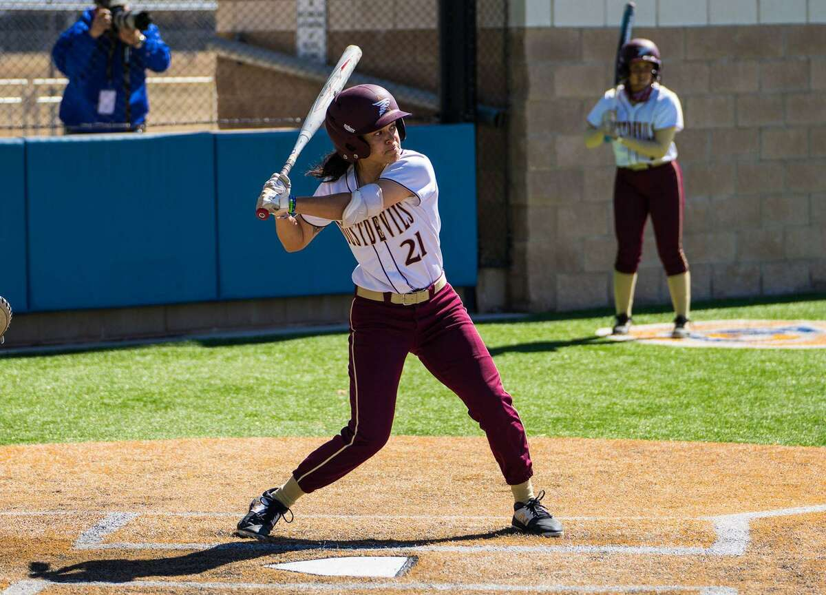 Morgan Chavarria and TAMIU rallied from a 9-2 deficit to take a 10-9 lead Friday before falling 12-10 in Game 2 of a doubleheader against No. 10 Oklahoma Christian.