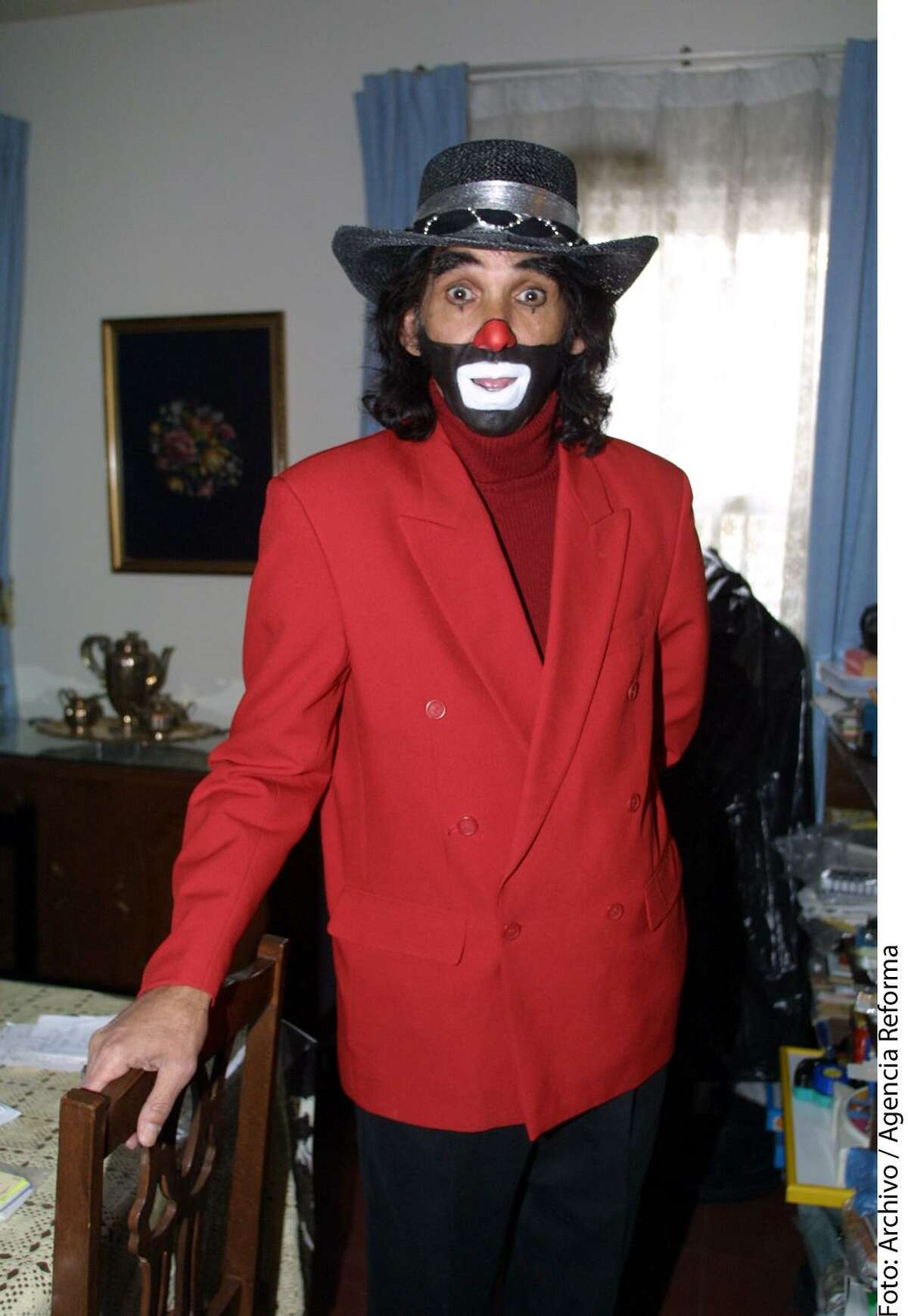 Mexican singer and actor Ricardo Gonzalez, known as Cepillin is pictured in this 2005 file photo.