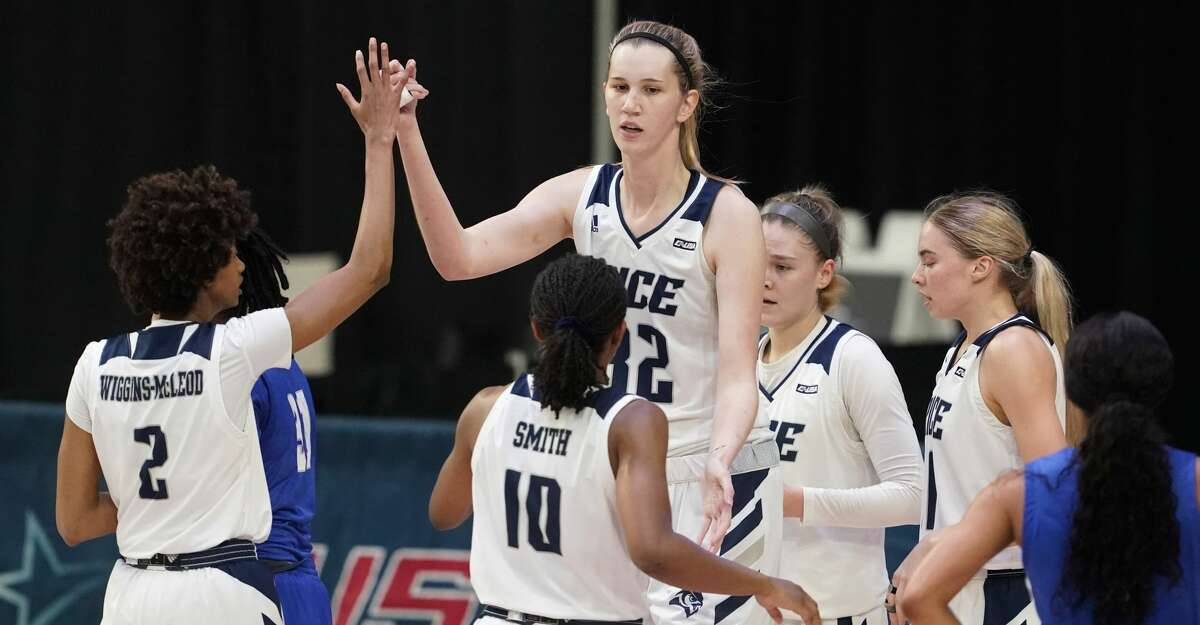 The Owls pulled away from Mississippi 71-58 in the WNIT championship game Sunday.