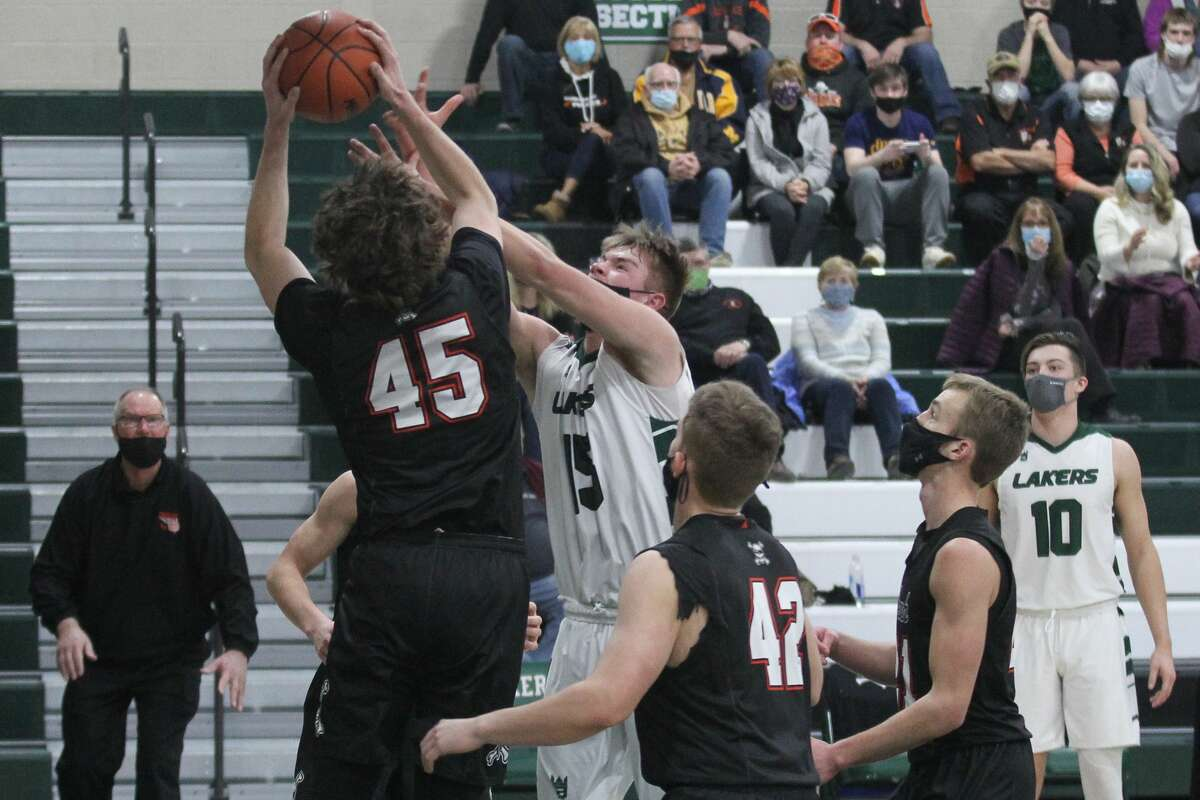 The Harbor Beach boys basketball team rallied late in the fourth quarter to top host Laker, 48-45, on Monday night.
