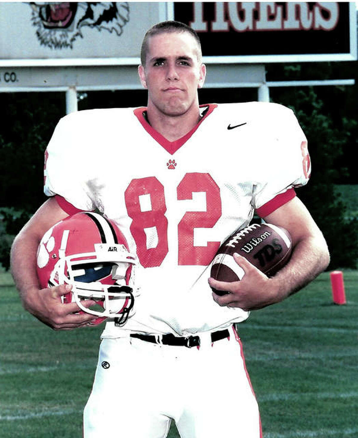Kevin Maliszewski, a 2002 Edwardsville graduate, was a tight end and defensive end for the EHS football team.