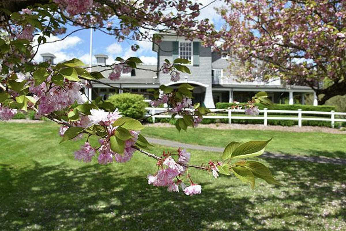 The Redding Country Club, (RCC), is welcoming guests to visit its picturesque grounds and learn about its heritage and offerings at a series of gatherings in late March/early April. The events will take place March 21,at 4 p.m., March 28, at 4 p.m,, April 8 at 6 p.m. and April 11 at 4 p.m. The Country Club is located at 109 Lonetown Road in Redding, Conn., and has families, and friends from Ridgefield, Conn. who are members.