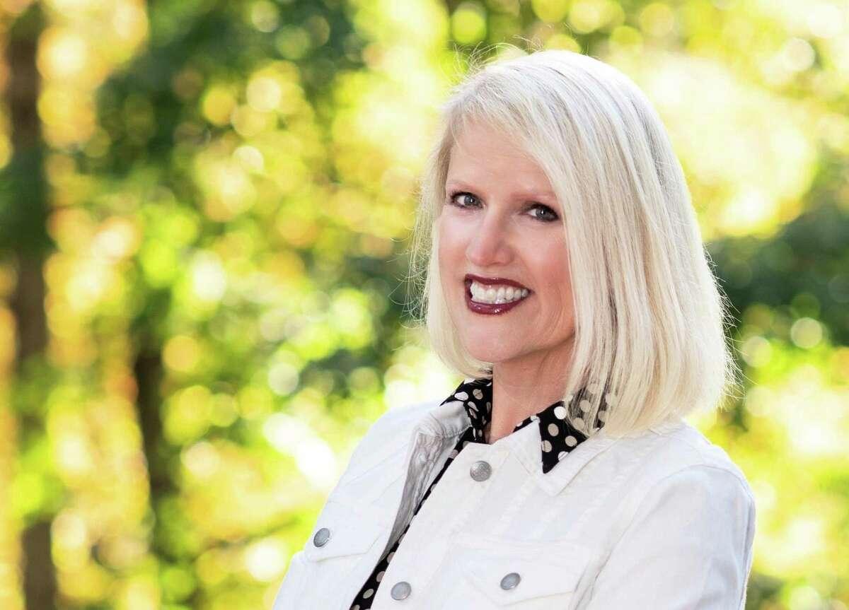 William Raveis Real Estate Realtor Debbie Huscher