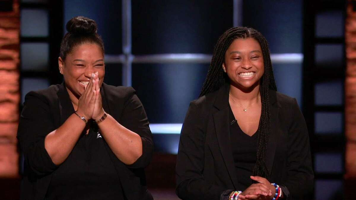 """Tyla-Simone and Monique Crayton pitch their sauce on ABC's Shark Tank. They secured a $100,000 investment from guest """"Shark"""" designer Kendra Scott."""