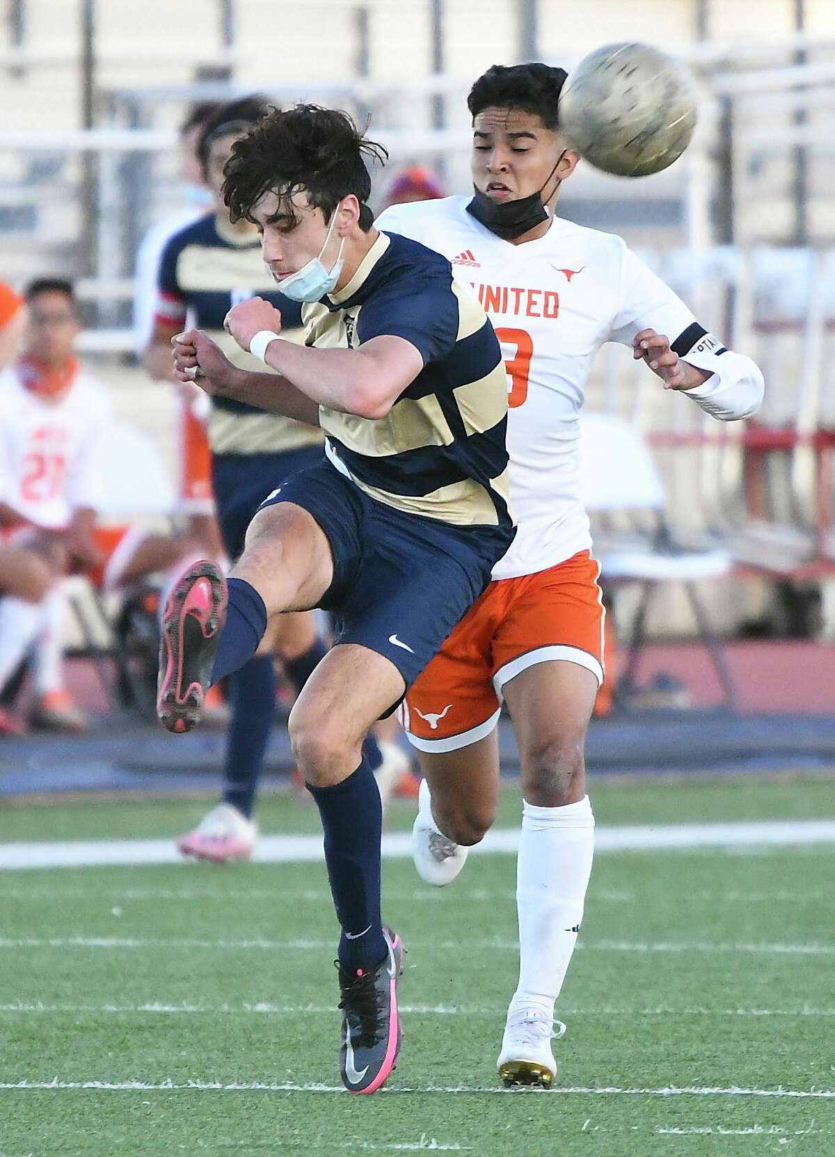 Roberto Ahumada and Alexander can win the district title with another win over United this weekend.