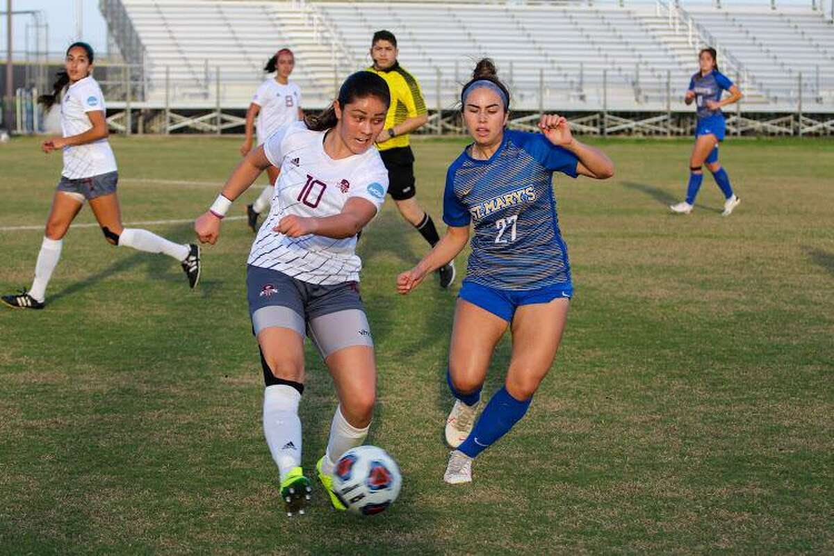 Andrea Castellanos scored one of TAMIU's goals Wednesday in a 2-2 draw with UTPB.