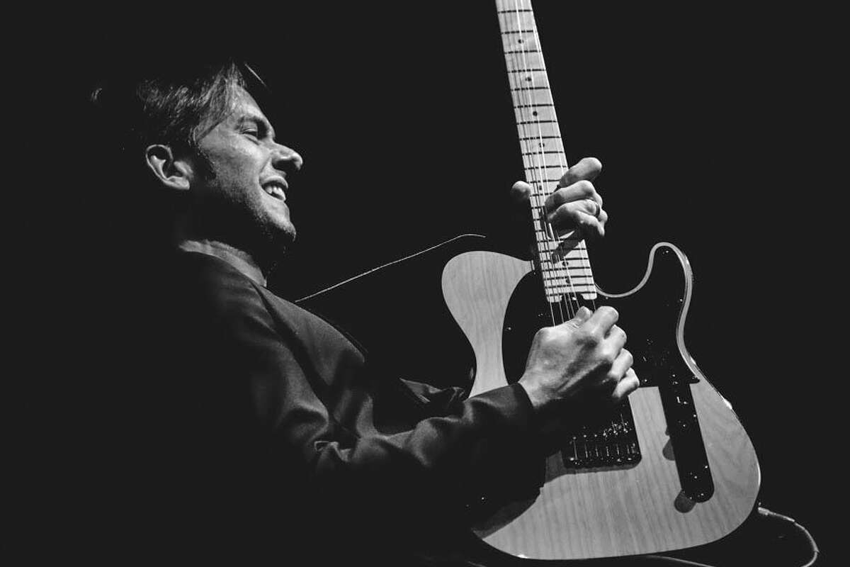 Guitarist, singer, songwriter, and producer, Lou Musa joins pianist Craig Avery for the final Living Room Series performance tonight at 7:30 p.m. The performance can be accessed virtually. (Submitted photo)