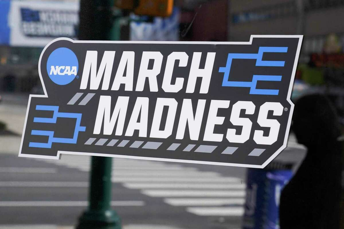 Sports betting analysts expect Michigan residents to bet over $100 million on games during March Madness. (AP Photo/Darron Cummings)