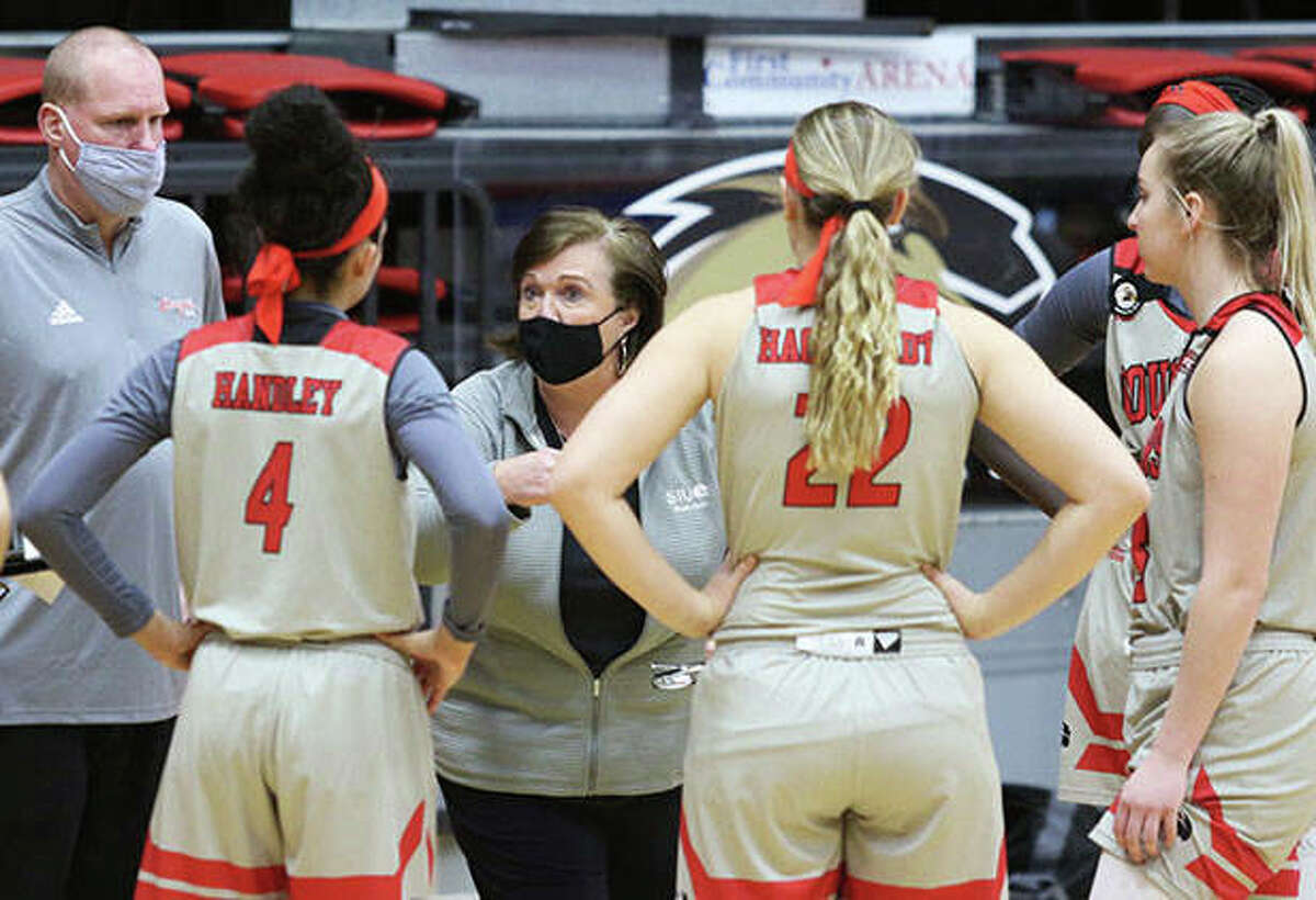 SIUE coach Paula Buscher talks to her team during a timeout in a game vs. Austin Peay on Jan. 7 at First Community Arena in Edwardsville. On Thursday, SIUE announce Buscher would not return for a 10th season.
