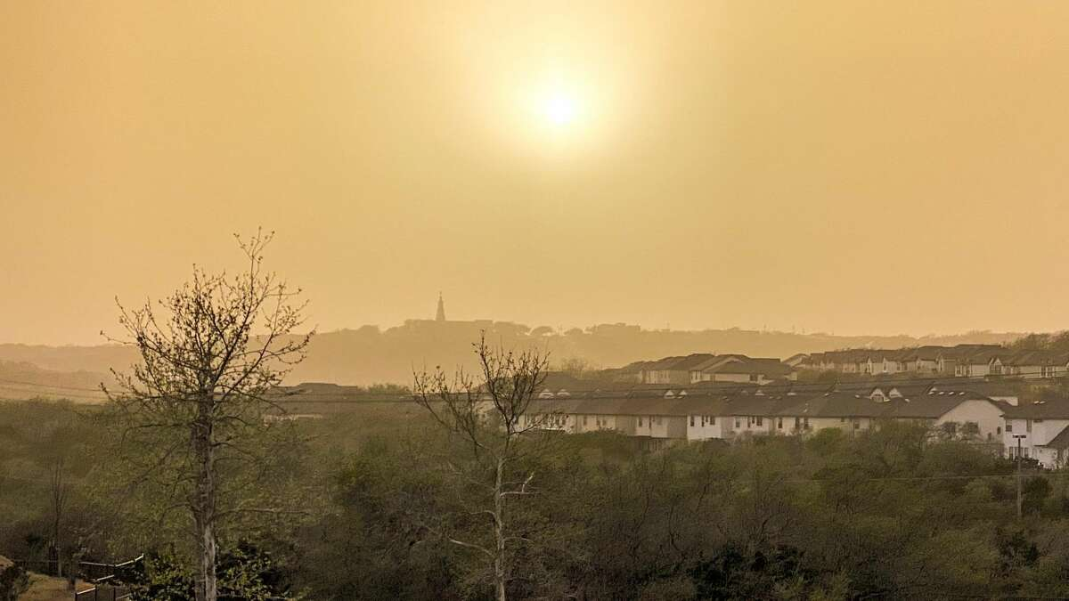 Local Reddit user Phat_n_Cloudy posted this picture of the dust in the Stone Oak area earlier this week.