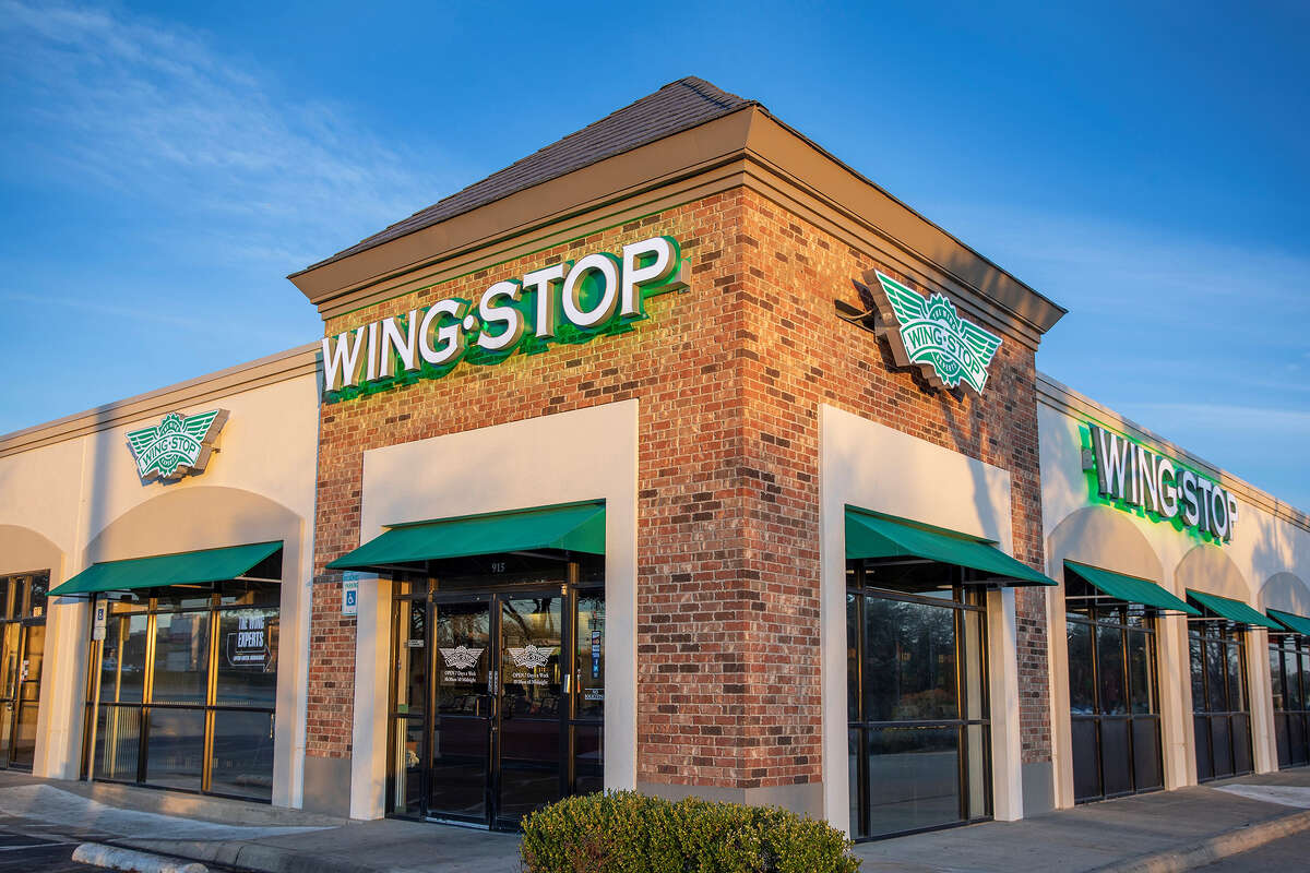 The outside of a Wingstop.