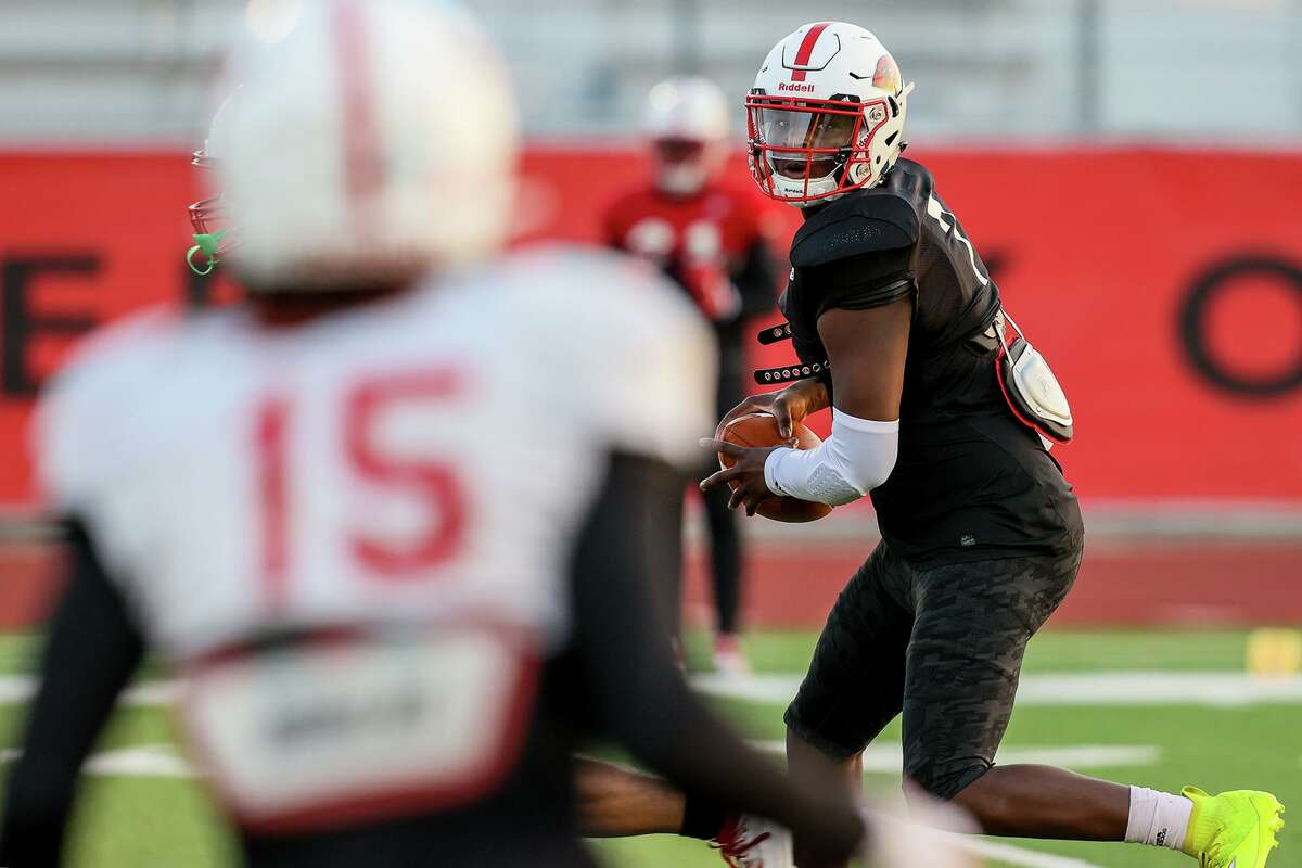 As Incarnate Word looks to improve to 3-0, Cardinals quarterback Cameron Ward's arm strength has opened up new possibilities for coach Eric Morris' air raid offense.