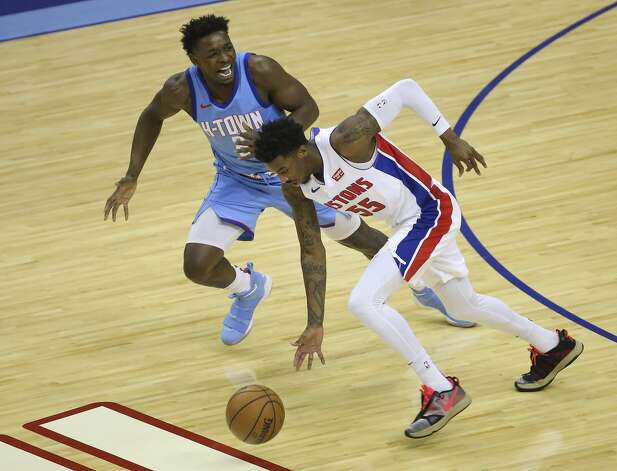 Houston Rockets forward Jae'Sean Tate (8) reacts to a turn over by Detroit Pistons guard Delon Wright (55) during the first quarter of the NBA game Friday, March 19, 2021, at Toyota Center in Houston. Photo: Yi-Chin Lee/Staff Photographer / © 2021 Houston Chronicle
