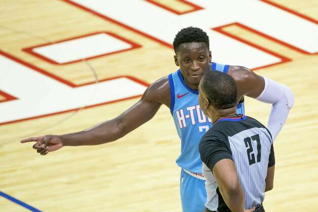 Houston Rockets guard Victor Oladipo (7) talks to an official about a foul call during the second quarter of an NBA game between the Houston Rockets and Oklahoma City Thunder on Sunday, March 21, 2021, at Toyota Center in Houston, TX. Photo: Mark Mulligan, Staff Photographer / © 2021 Mark Mulligan / Houston Chronicle