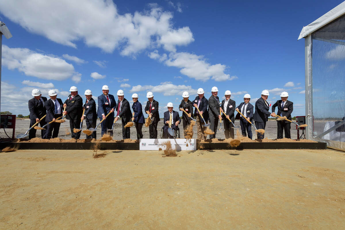 Aisin AW breaking ground in Cibolo, Texas on their manufacturing facility that will employ 900 in the coming years.