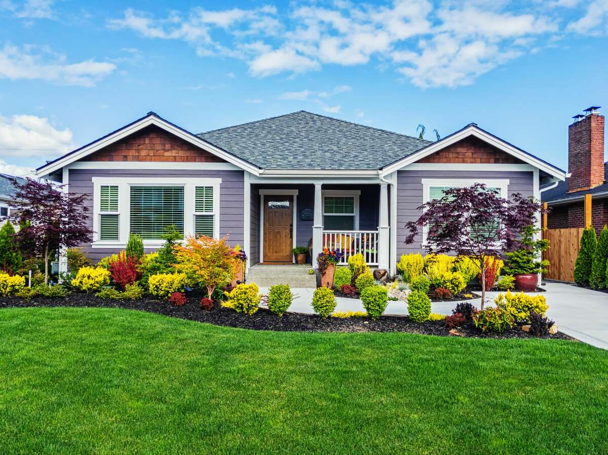 Landscaping can make a huge difference in the curb appeal of any house. Homes tend to look and show better during seasons when the grass is green.