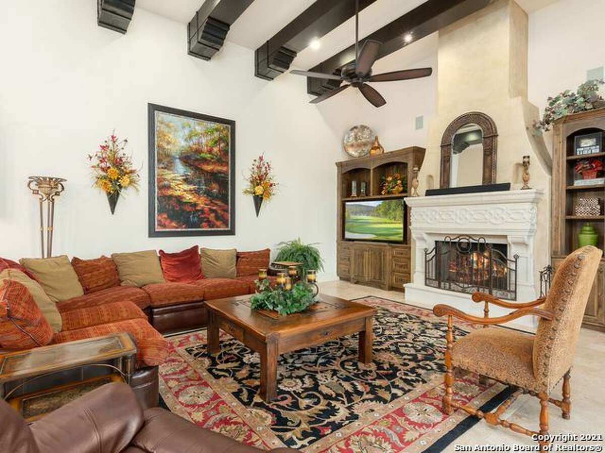 3931 LUZ DEL FARO $1,269,000 This fabulous 4 bedroom home includes a pool in the courtyard.
