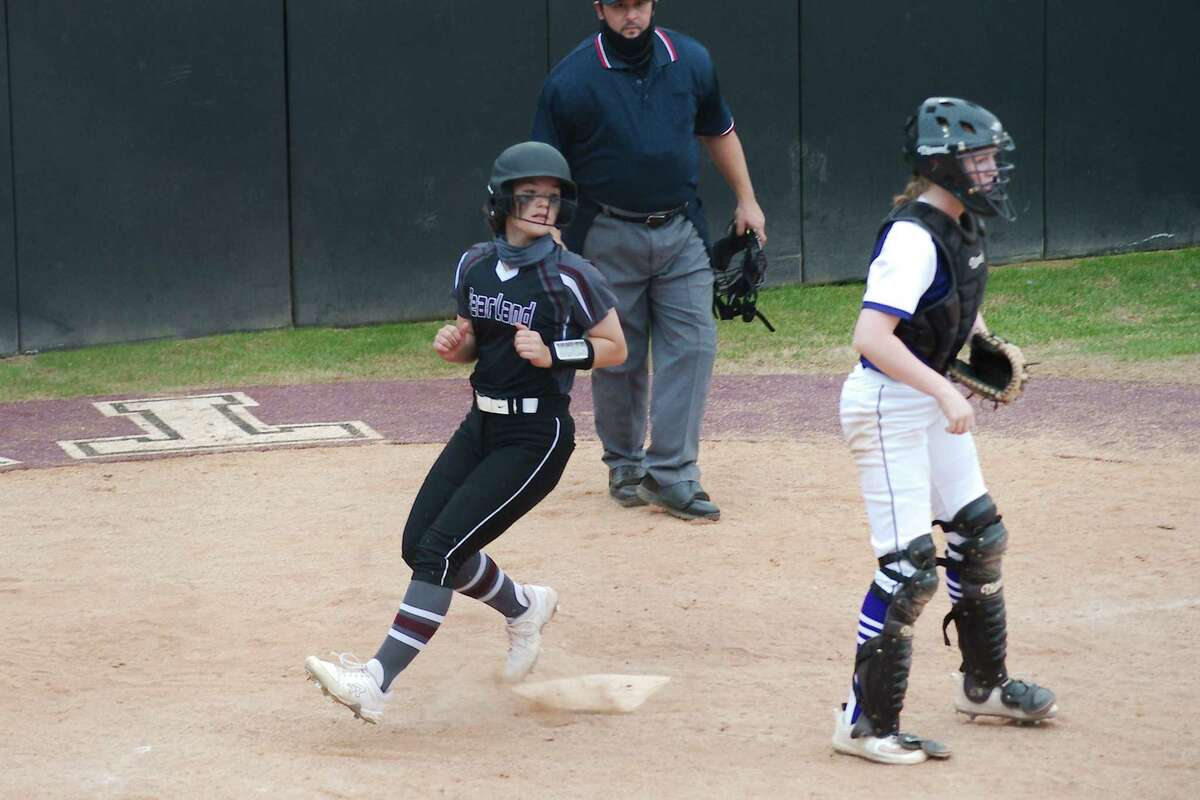 Pearland's Kristyn Whitlock (17), crossing home plate earlier this season, and the rest of the Lady Oilers picked up a District 23-6A victory Tuesday night.
