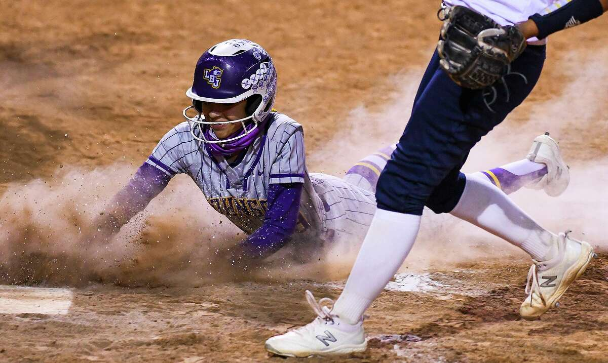 Valerie Loyola and LBJ beat No. 24 Alexander 16-9 Tuesday at the SAC.