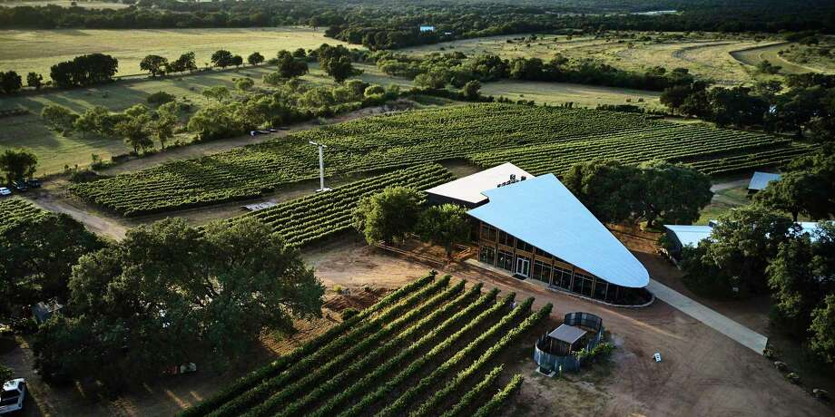 William Chris Vineyards has been pushing the quality of Texas wines forward since it was founded in 2008. In the summer of 2019, the team unveiled its new tasting room in Hye. Photo: William Chris Vineyards / 2019 Hill Country Light LLC