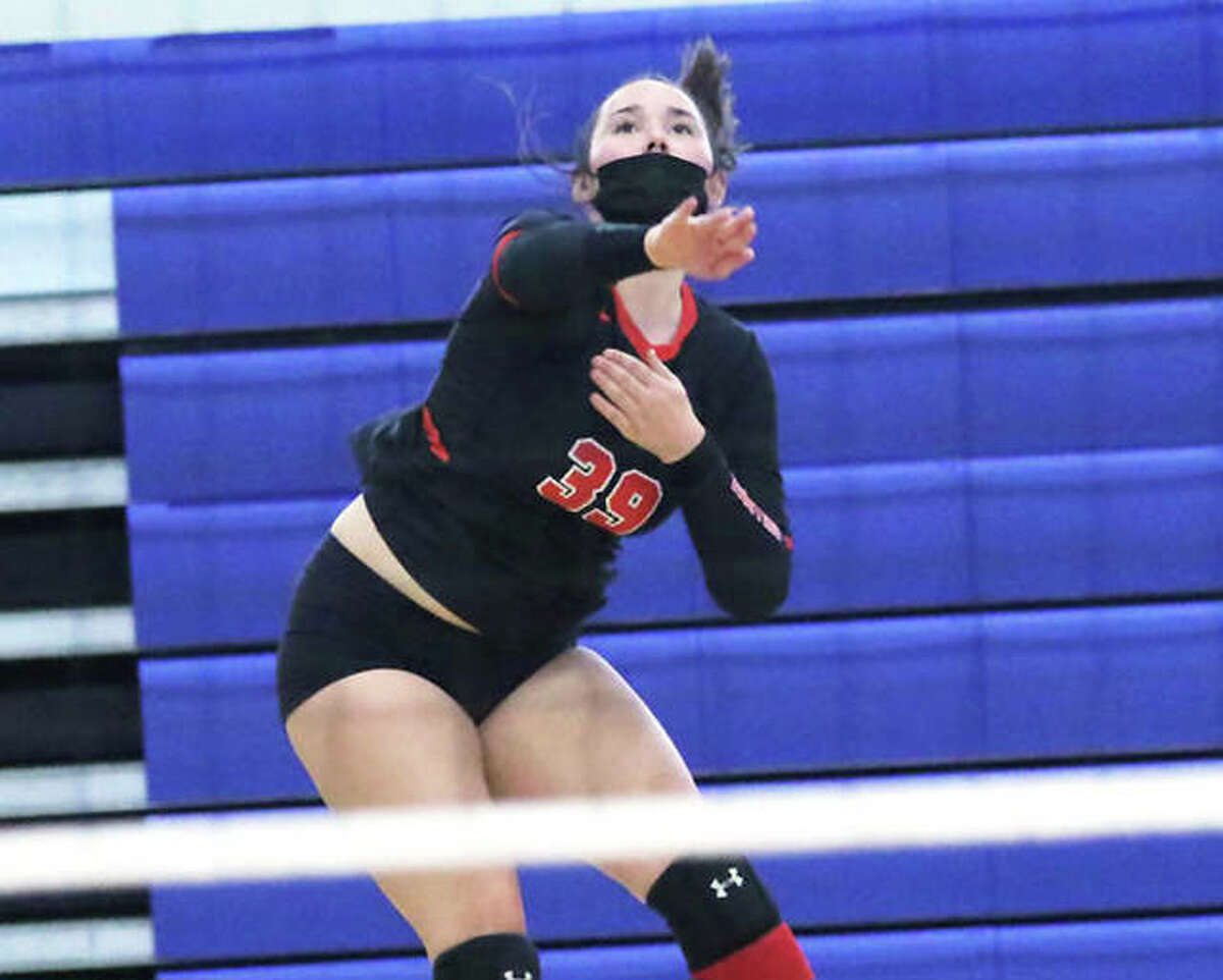 Staunton's Gabbie Reising had seven kills and a pair of aces Monday in the Bulldogs' win over EA-WR in Staunton.
