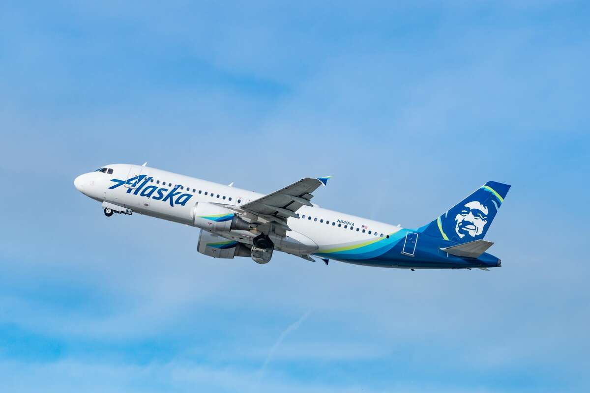 Alaska Airlines Airbus A320-214 takes off from Los Angeles international Airport on January 13, 2021 in Los Angeles, California. (Photo by AaronP/Bauer-Griffin/GC Images)