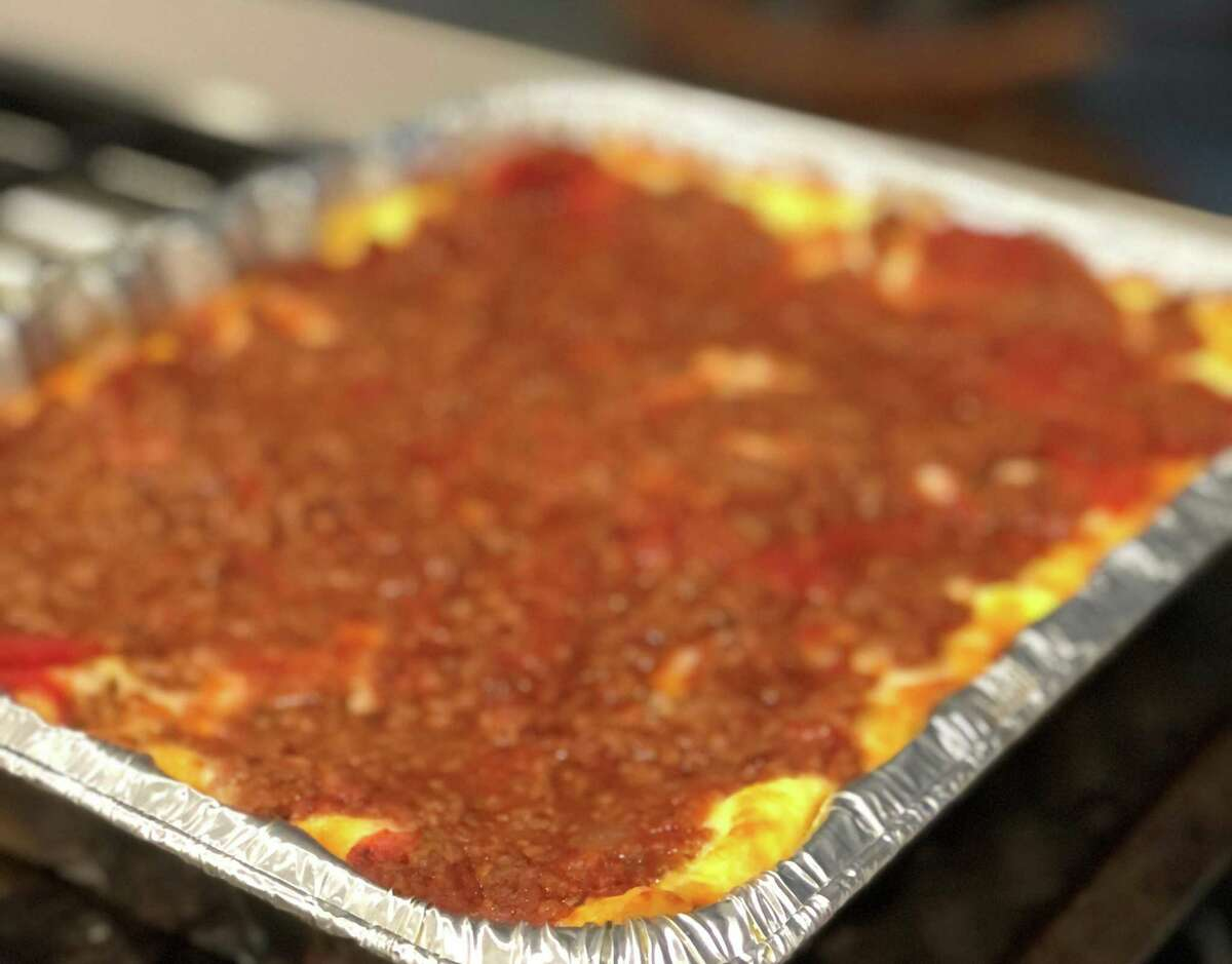Lasagna Love, a nationwide movement connecting neighbors with neighbors through homemade meal delivery, will be delivering food to Sunnyside School staffers Saturday, March 27.