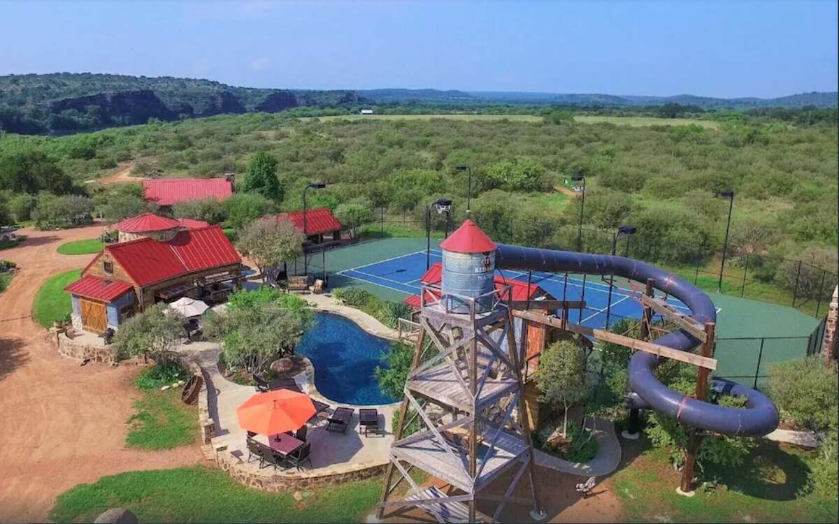 Needing a private getaway at Texas waterpark? Red Sands Ranch features a massive 4-story waterslide.