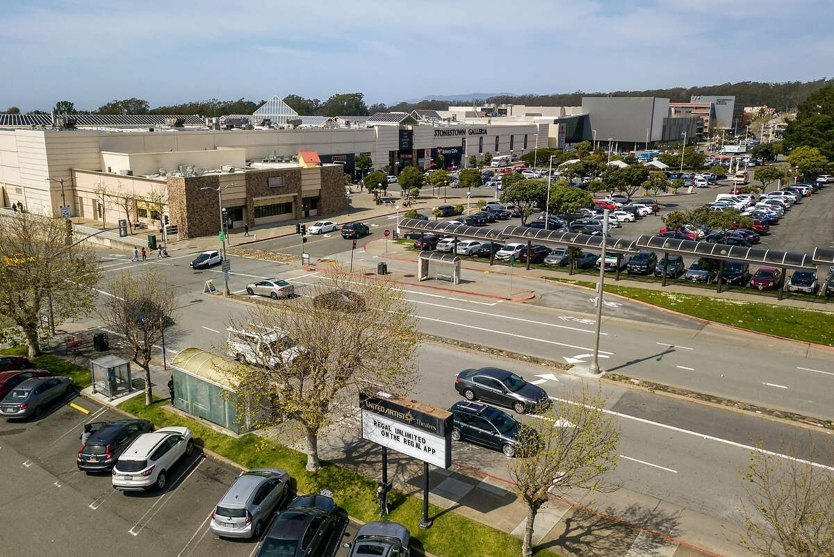 The entrance on Winston Drive at Stonestown Galleria will be undergoing a large-scale renovation if plans are approved. The parking area on the right would be used for a commercial and outdoor shopping/promenade area converting 20th Avenue to an outdoor experience.