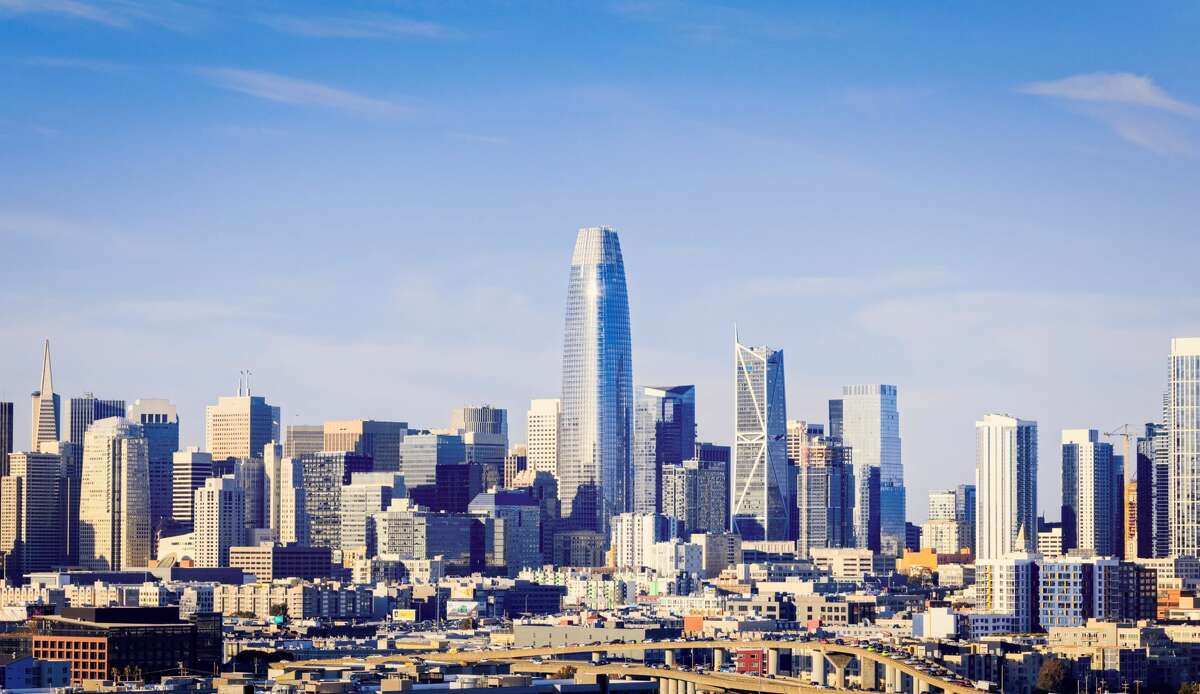 An image of the skyline of San Francisco featuring the Salesforce Tower.