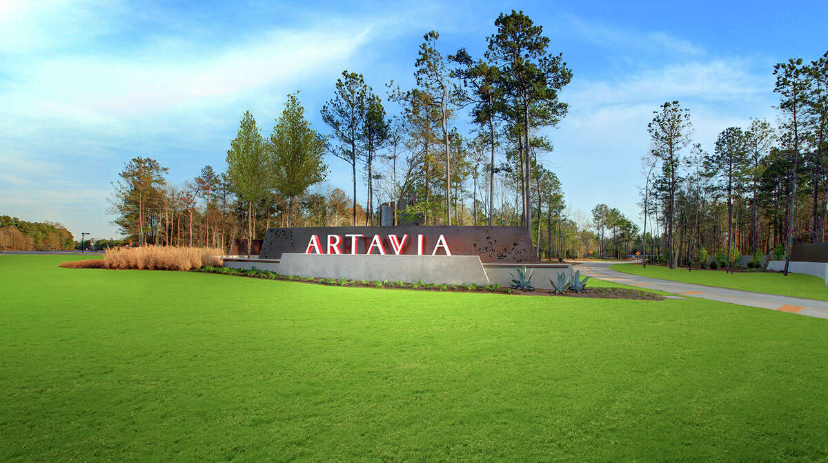 Homes in Artavia are priced from the $370,000s and $410,000s, ranging in size from 2,600 to 4,100 square feet.